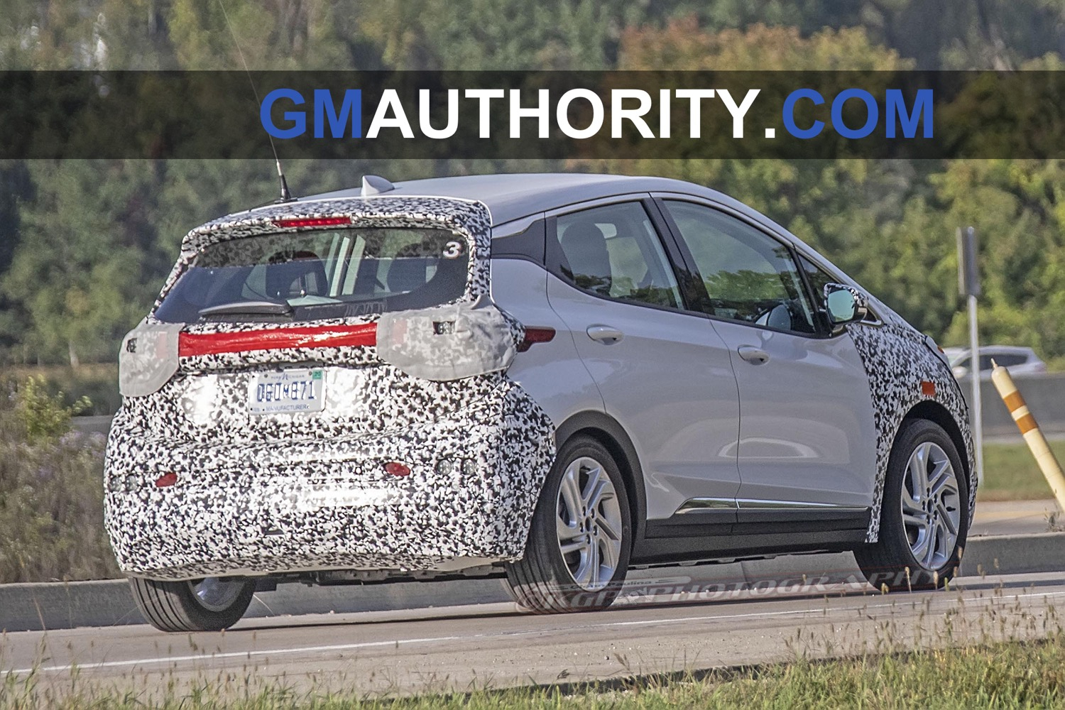 2021 Chevrolet Bolt Ev Refresh Spotted In New Spy Shots | Gm 2021 Chevy Bolt Manual, Mileage, Msrp