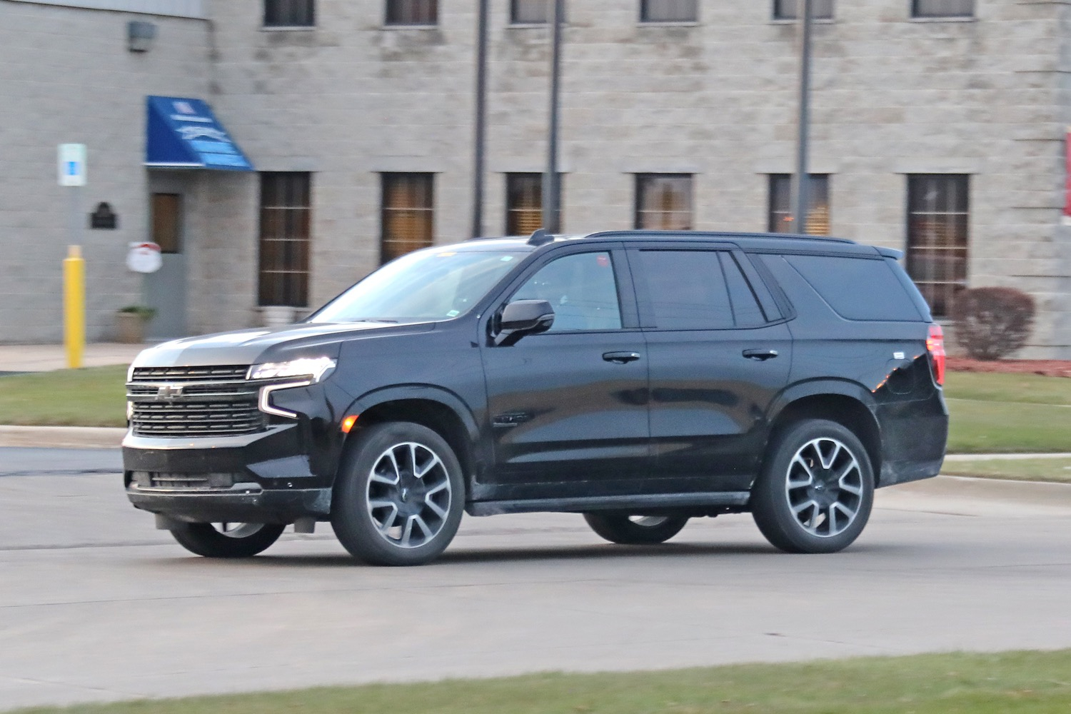 2021 Chevrolet Tahoe Rst On The Street: Live Photo Gallery Build Your Own 2021 Chevy Suburban Wheels, Price, 0-60