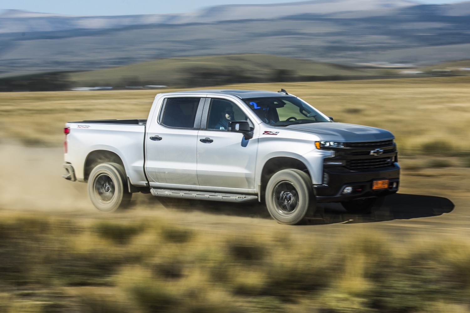 Chevrolet Silverado Thieves Disable Onstar Tracking | Gm Lease A 2021 Chevy Silverado Engine Problems, Front Bumper, Forum