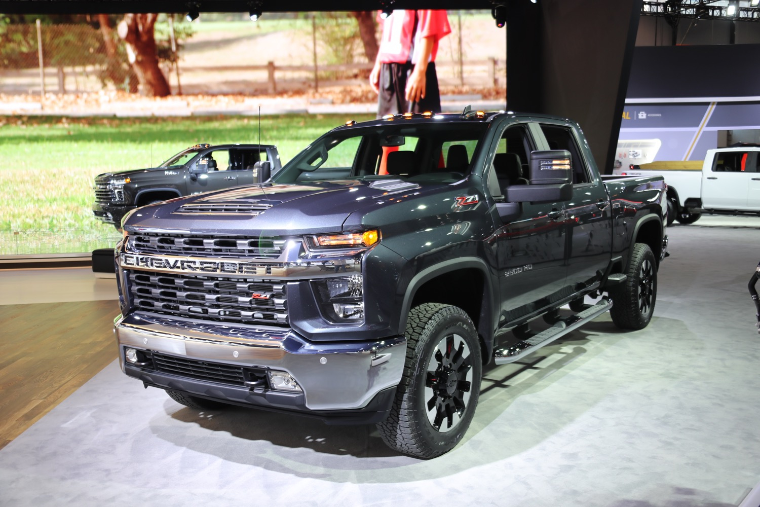 How New Gm 6.6L V8 L8T Engine Compares To Its Predecessor 2021 Chevy Silverado 2500 Oil Capacity, Problems, Pictures