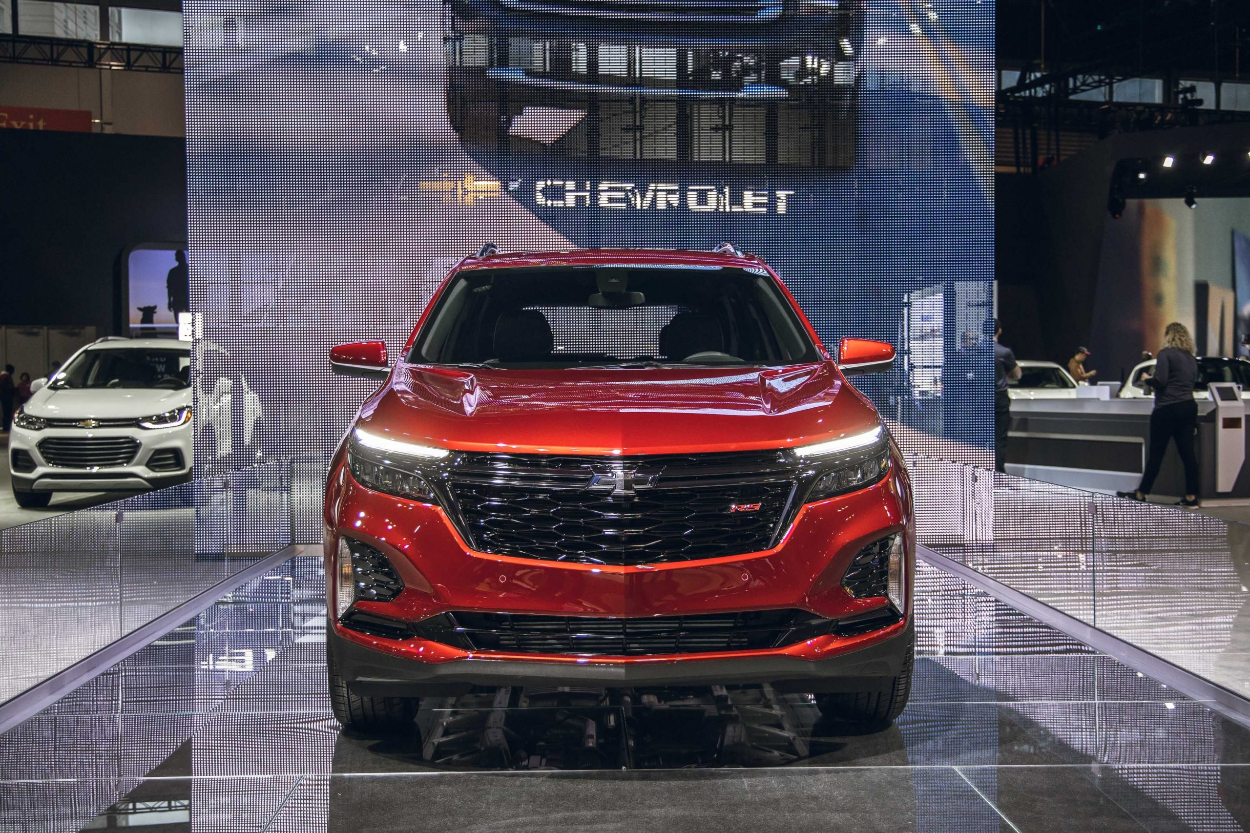Chevy's Popular Equinox Gets Rs Trim, Updated Appearance For 2022 Chevy Blazer Rs Fwd, Grill, Gas Mileage