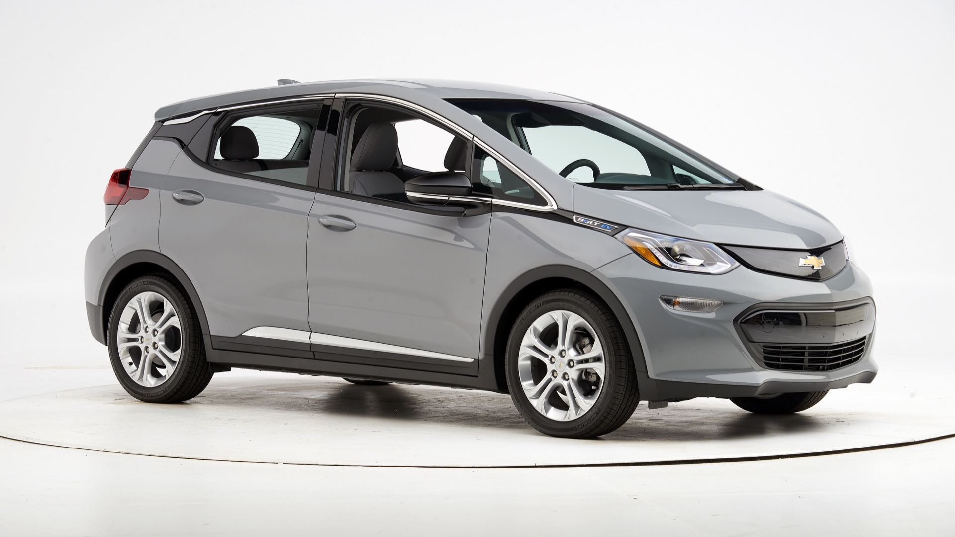 With Headlight Tweak, Chevy Bolt Ev Is A Top Safety Pick 2022 Chevrolet Bolt Ev Charger, Changes, Dimensions